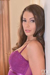 Hot Lia Taylor