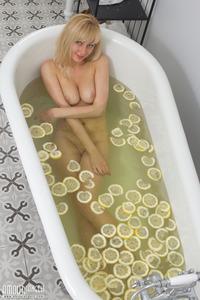 Pussy Lemonade