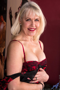 64 Year Old UK Gilf Margaret Holt