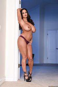 Huge Boobe MILF Slut Ava Addams