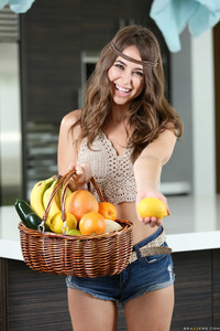 Riley Reid Eating Her Peach