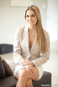 Cassidy Cole: Elegant Striptease