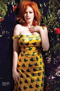 Christina Hendricks Busty Celeb