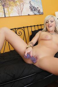 Hottie Vyxen Steel Fucking Her Tight Pussy