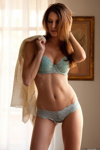 Beauty And Art: Amber Sym
