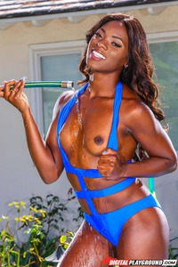 Hot Ebony Ana Foxxx Strips Off Her Swimsuit Outside