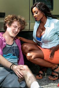 Mature Ebony Pornstar Diamond Jackson Fucked In A Car