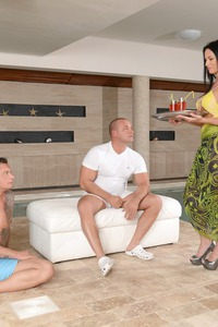 Samantha Rebeka Gets A Hard DP