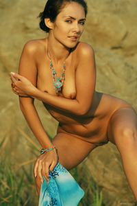 Nude Teen Olga G On The Rock