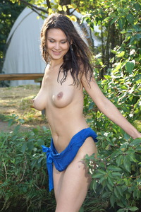 Busty Brunette Veron Gets Wet In The Nature