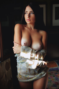 Niemira Natural Beauty Babe Shows Us Her Perfect Body
