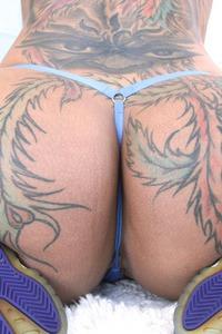 Bella Bellz Has Sexy Tattoo