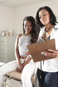 Yasmine De Leon And Skyler Nicole