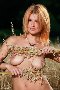 Dina Hot Teen Babe Goddess