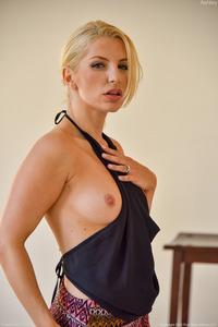 Ashley Sexy Stripes