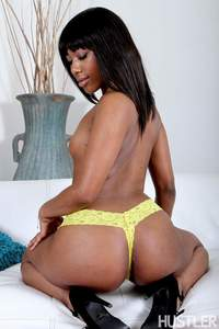 Chanell Heart In A Touch Of Ebony