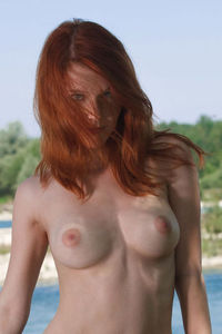 Sexy Redhead Cutie Showing Her Body