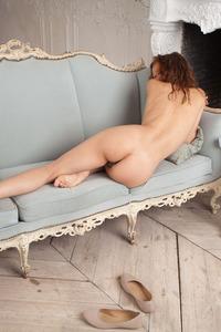 French femme fatale Dennie