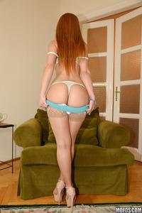 European Babe Melanie Gold