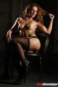 Curly Savannah Fox Dominatrix