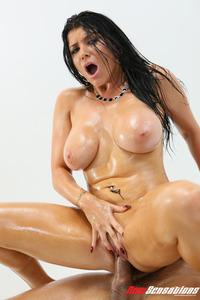 Big Boobed And Booty MILF Pornstar Romi Rain Gets Fucked Hard