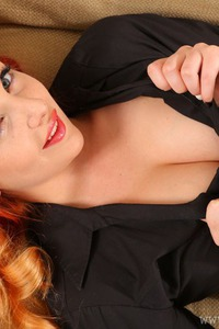 Kara Carter Has Beauty Tits Under The Bra