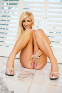 Busty Blonde Tasha Reign