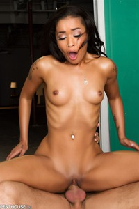 Skin Diamond Gets Drilled On The Table By Her Masseur