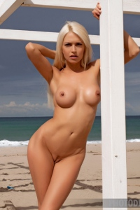 Gorgeous Glam Babe Lena Love On The Seaside