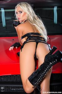 Sexy Playmate Andrea Jarova