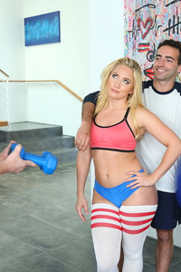 Fitness Babe AJ Applegate Fucks With Her Trainer