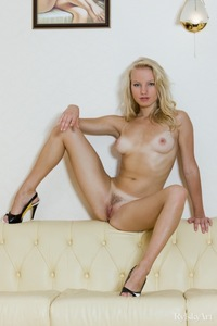 Bianca - Hot Hot Blonde