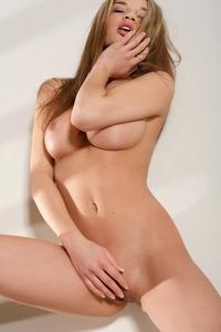Nici Dee Posing Naked In Studio