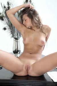 Nude Pianist Maria Rya