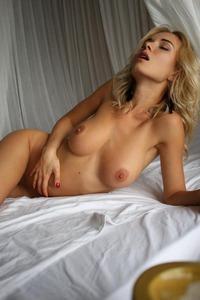 Temptingangel Babe Monro Poses Naked