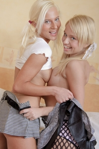 2 blonds playing each other
