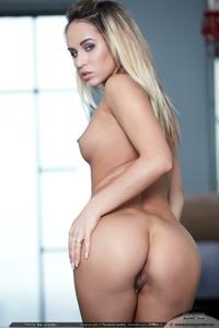 Sexy Linda