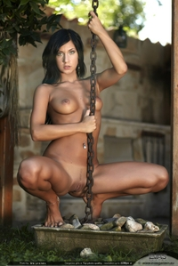 "Kinsey in ""Chain me"""