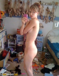 Amateur babes tits