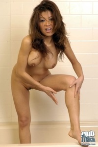 Charming Jackie nude in the tub