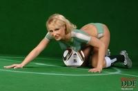 Jasmin in football fever