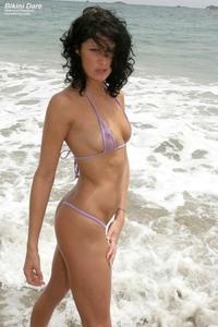 Slim Heather in sexy bikini