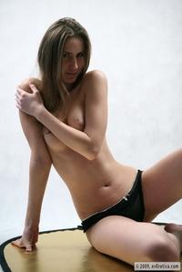 Jenny posing naked for her boyfriend