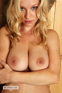 Daisy got nice huge tits