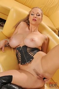 Carol pussy penetrating
