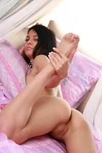 Teen girl's wet pussylips