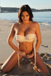 Leilla's huge round boobies
