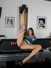 Tight ass Tiffany Thompson pooltable
