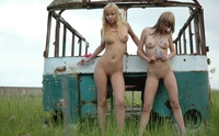 Sexy Zina & Serena naked on countryside