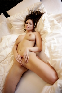 Tempting Marjana teasing in bed